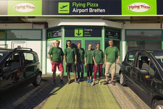 Flying Pizza Karte.Heiss Und Lecker Flying Pizza Liefert Essen Direkt Nach